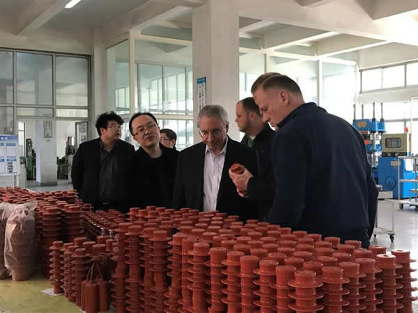 On March 25, 2017, Dr. Jon Beaver from Eaton, USA visited Xi'an Shendian for technical exchange.